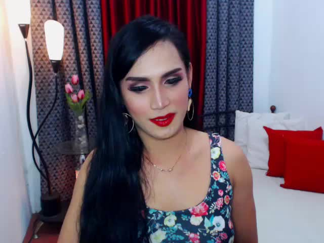 Voir le liveshow de  01BurlesQUEENTS de Cams - 25 ans - I WOULD LOVE TO GIVE MY ALL HOT CUM MMMM