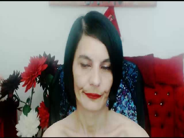 Voir le liveshow de  1WonderfulMilf de Cams - 23 ans - I'm an experimented lady who wants to make you fantasies come true