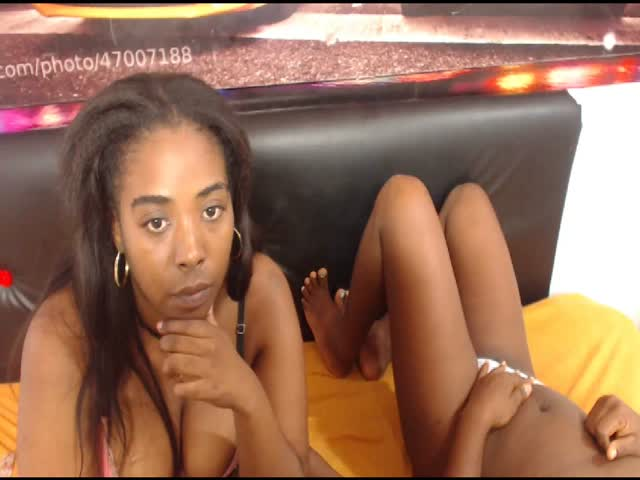 Voir le liveshow de  2hotblackgirls de Cams - 23 ans - ARE YOU READY FOR THE BEST HOT ACTION? LET MAKE SOME THREESOME . COME ON!