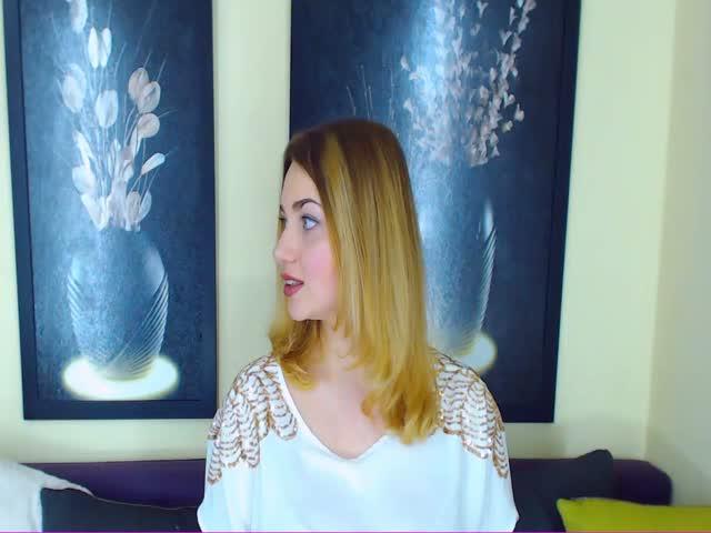 Voir le liveshow de  Alalhora de Cams - 24 ans - Xxx