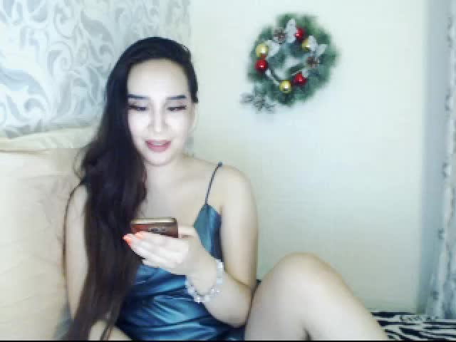 Voir le liveshow de  AdeleWilson de Cams - 25 ans - I like to think that is not just my show, is our show and we both have to enjoy it!A sexy talk bef ...