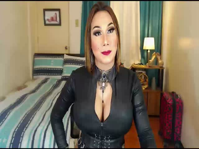 Enjoy your live sex chat BigCockStephanie from Cams - 23 years old -