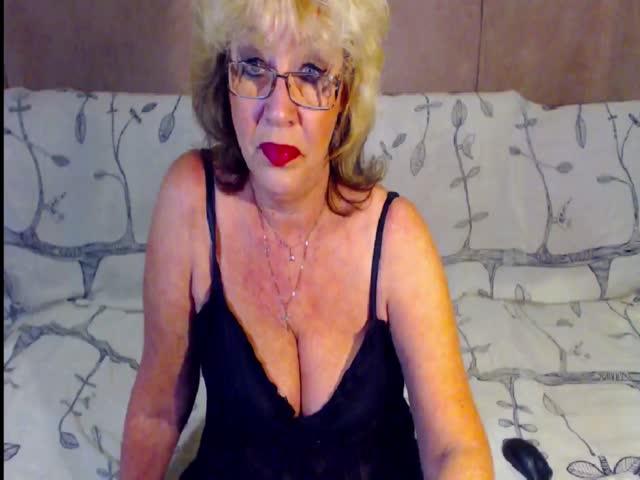 Voir le liveshow de  BlonddyMature de Cams - 23 ans - Sex