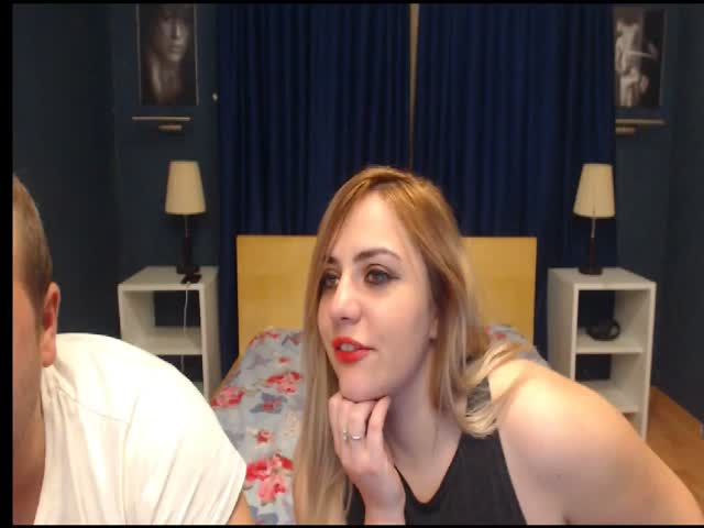 Voir le liveshow de  BlondieGames de Cams - 23 ans - Hot new couple ! We love to please you and ourselves while you watch us.We have all kinds of sexy ...
