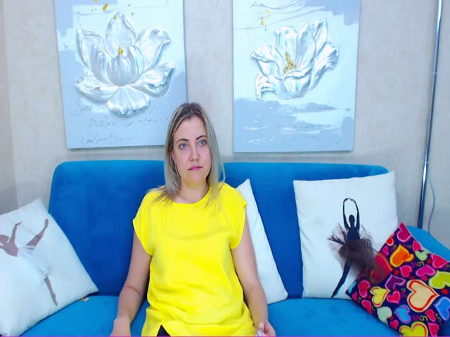 Voir le liveshow de  BarbaraWoW de Cams - 24 ans -