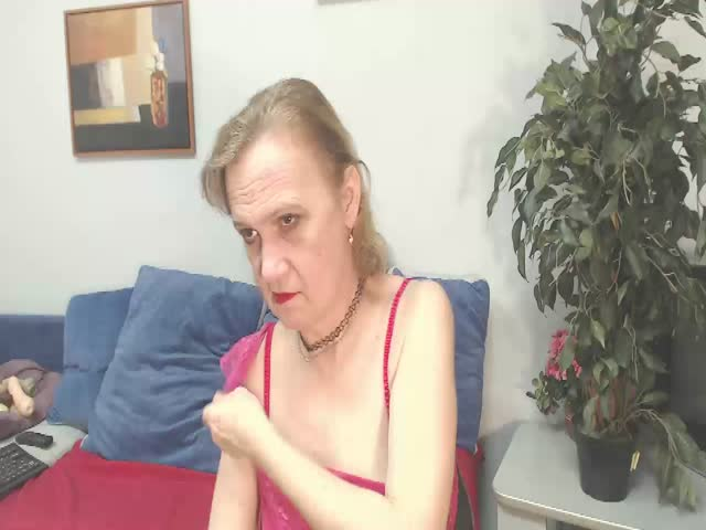 Voir le liveshow de  BrendaSquirty de Cams - 25 ans - Hello there! If You see me on-line that means I'm as horny as hell - since I come on-line on ...