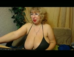 Free Live Cam Chat: CurvyStella