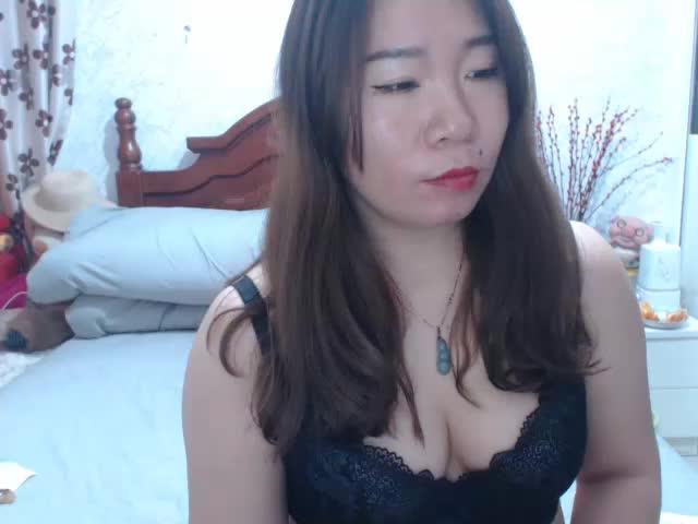 Voir le liveshow de  Feifeili de Cams - 20 ans - Sexy  chinese  woman