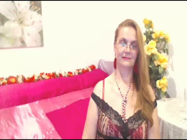 Voir le liveshow de  Glamour7 de Cams - 23 ans - I wanna play with my hot body for many men because that makes me  have wonderful orgasms