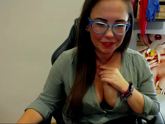 Voir le liveshow de  Gwendiamond de Cams - 25 ans - I like to fight for everything I want. I don`t like to lose in front of someone.