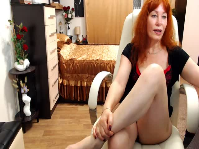 Voir le liveshow de  HardStufMilf de Cams - 18 ans - I'm Now AmuraLee ..A Very Beautiful Fair Skinned Asian Woman With Long Flowing Black Hair,Gre ...
