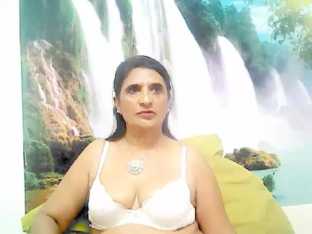 Voir le liveshow de  IndianMilf69 de Cams - 19 ans - Are you looking for experience and sexy? Do you enjoy exotic fun? Join me and I will satisfy you. ...