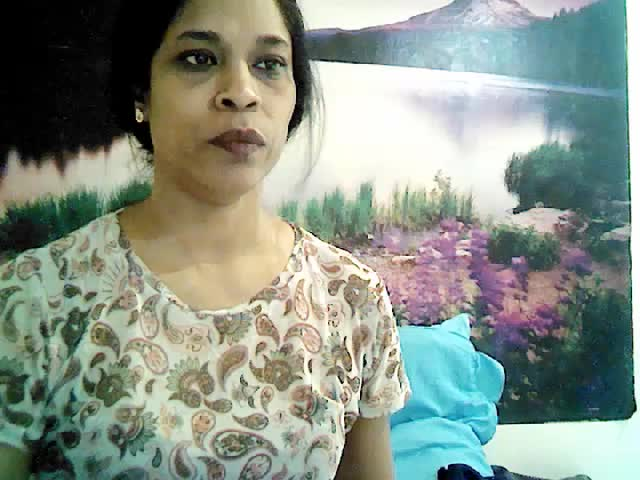 Voir le liveshow de  IndianSky69 de Cams - 22 ans - Sexy Hot Milf waiting to satisfy your fantasies and more....