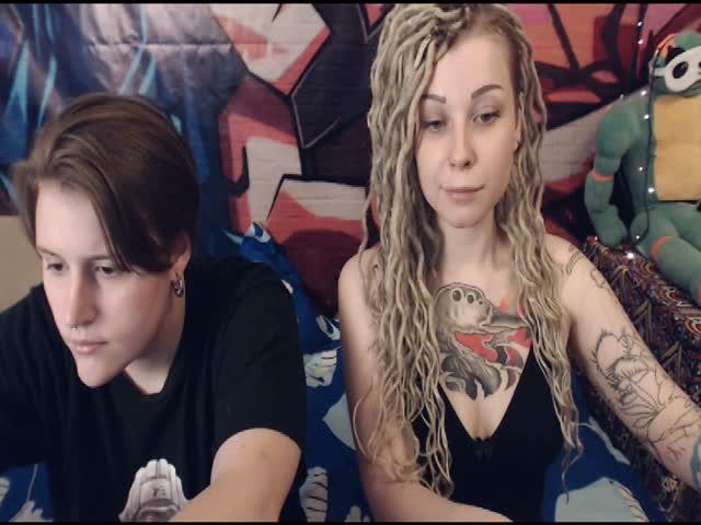 Voir le liveshow de  Ksenia4715 de Cams - 22 ans -