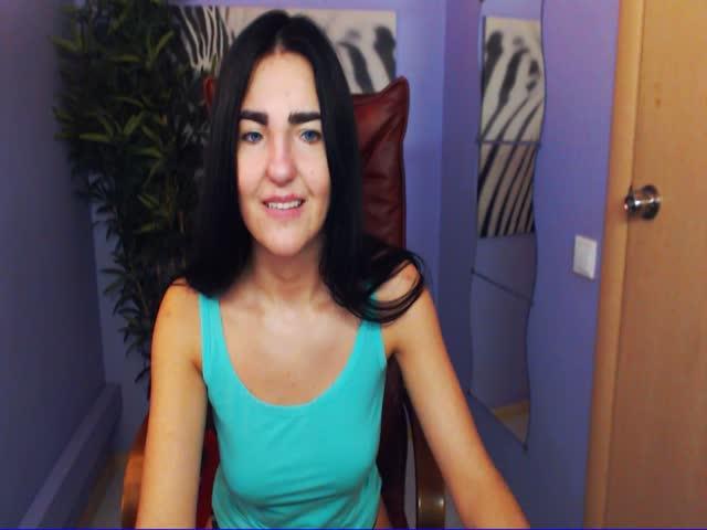 Voir le liveshow de  KayaHotGirl de Cams - 21 ans -