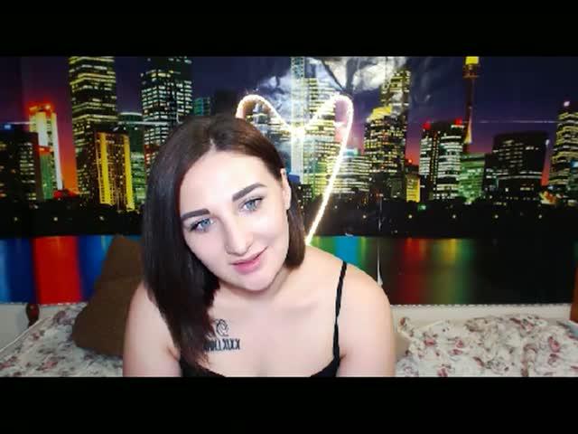Voir le liveshow de  Katrina_Bells de Cams - 23 ans -