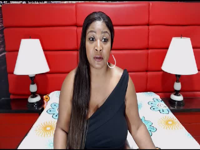Voir le liveshow de  KAROFLOW de Cams - 18 ans - I know you want me ... I want you too! ... come in pvt .. don't tell your gf.. your wife .. it wi ...