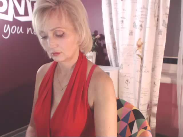 Voir le liveshow de  Linakiss de Cams - 19 ans - Where we can talk to each other, open up, fulfill your every fantasy, even those deep dark secret one ...