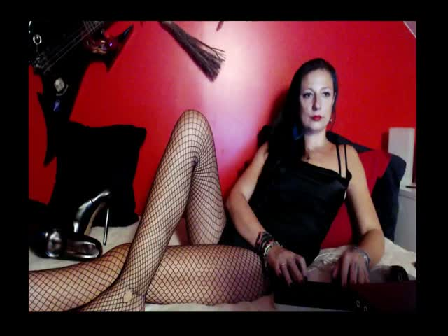 Voir le liveshow de  MissAnemona de Cams - 21 ans - HERE IS A PLACE OF FEMALE SUPREMACY, PAIN AND PLEASURE! WITH SADISTIC JOY I WILL SUBMIT UR INTIMAT ...