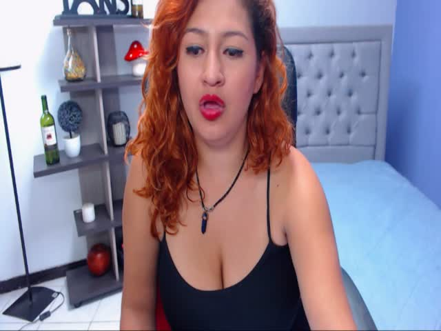 Voir le liveshow de  Milajone de Cams - 20 ans - I am a shy girl in public but in my private shows i am the most wild girl! i like the extreme sports! ...