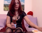 Live Nude Chat: MILFCream