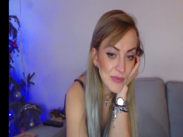 Voir le liveshow de  MallenASS de Cams - 18 ans - Im a classic,natural and so hot girl ho love to explore all in sex and to explore you at maxim.come  ...
