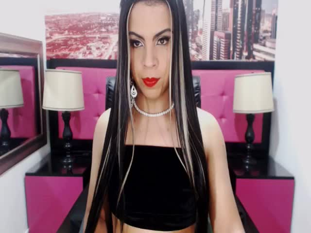 Voir le liveshow de  MichelleMorganTS de Cams - 24 ans - Hello babie. here latin tranny for u. come on i want meet u.