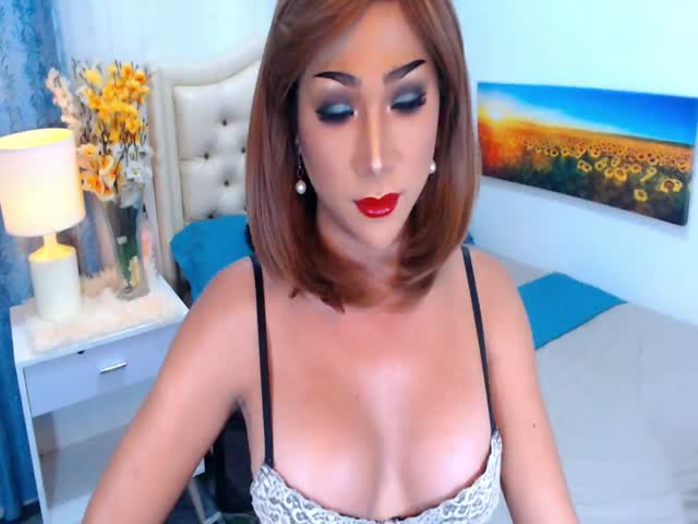 Enjoy your live sex chat MsFamousCockTS from Cams - 21 years old -