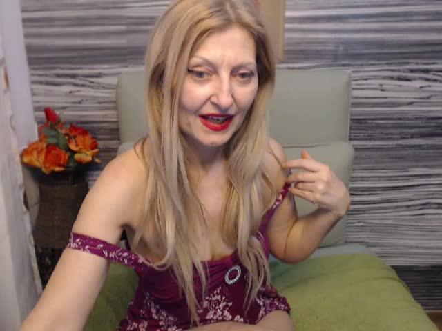 Voir le liveshow de  PrisonPassion de Cams - 25 ans - Sexy mature