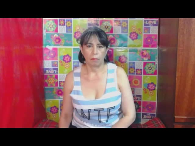 Voir le liveshow de  Rosehot25 de Cams - 19 ans - Hi honey, I tell you I'm hot and lusty, close your eyes and imagine all the things we can do: an ...