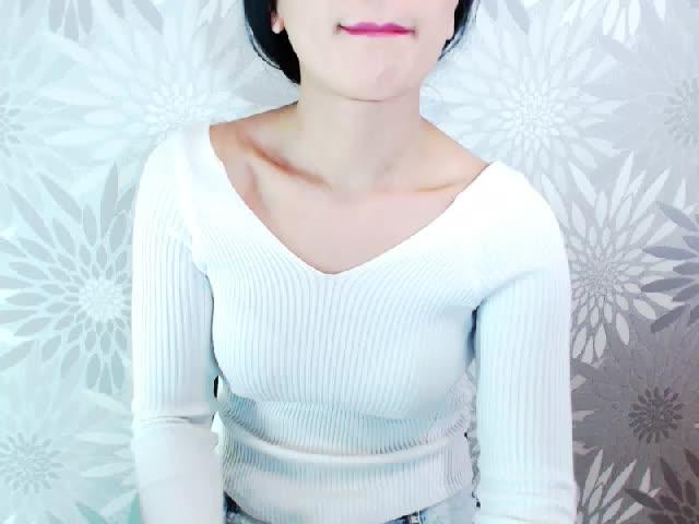 Voir le liveshow de  Suzi_Ren de Cams - 20 ans - Smart, young, beautiful, sexy – and modest!