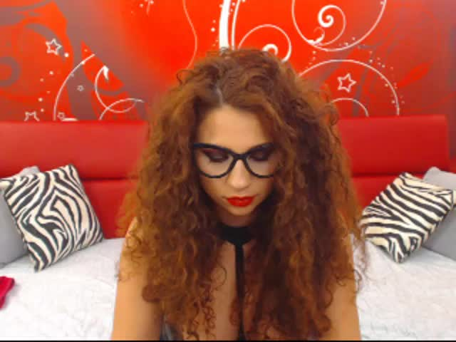 Voir le liveshow de  SaamTS de Cams - 21 ans - Best brunette here only 4 you
