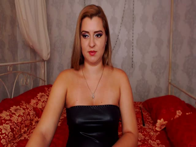 Voir le liveshow de  SamDelight de Cams - 19 ans - What kind of nasty kink do you have? I have soooo many and I'd love to explore them all with yo ...
