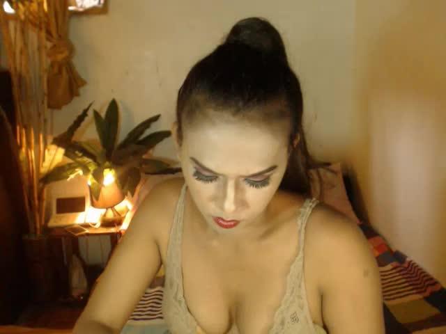 Voir le liveshow de  TSsexGODDESS4ALL de Cams - 18 ans - Sexy and hot