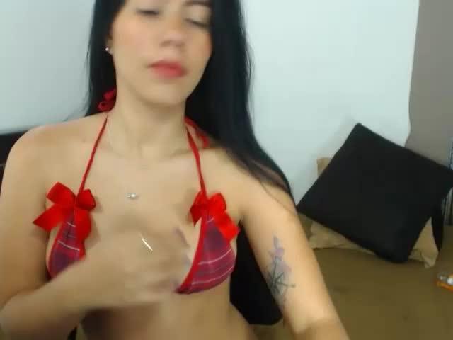 Voir le liveshow de  Tanya_kiss de Cams - 25 ans - Soy muy tierna, sexy y divertida, te haré gozar de placer, soy una chica que le gusta disfrutar  ...