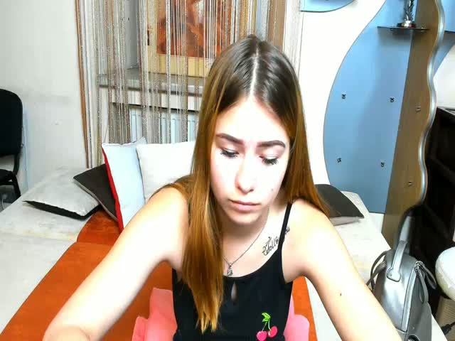 Voir le liveshow de  ViollaNiceAsss de Cams - 24 ans - My personality is who I am and my attitude depends on who you are.