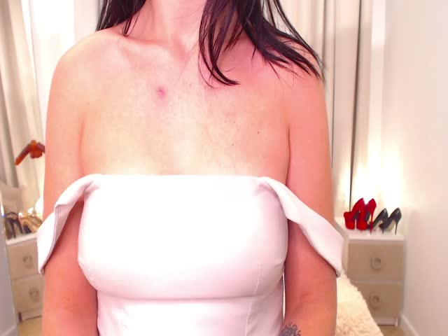 AnnaBrazzers live on Cams.com