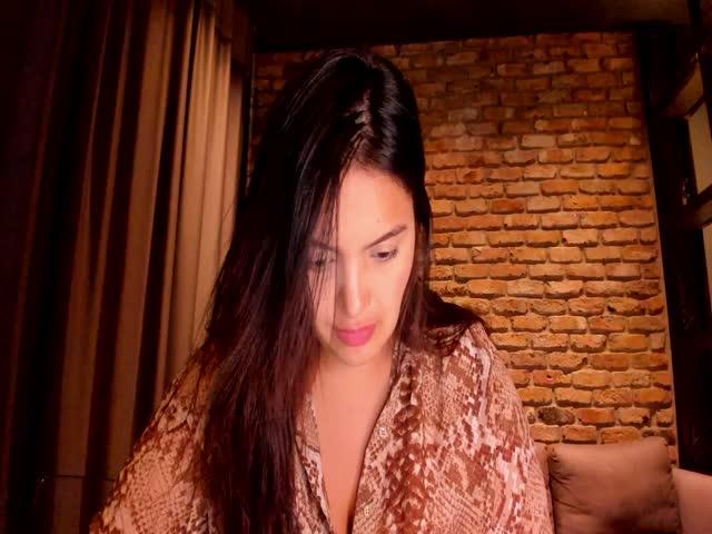AlexandraWengert live on Cams.com