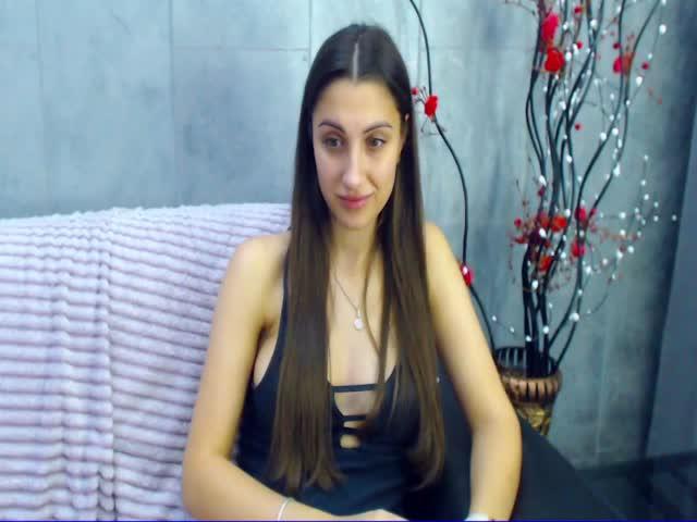 AlisiaMoy live on Cams.com