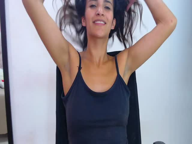 Andrea_Gomez live on Cams.com