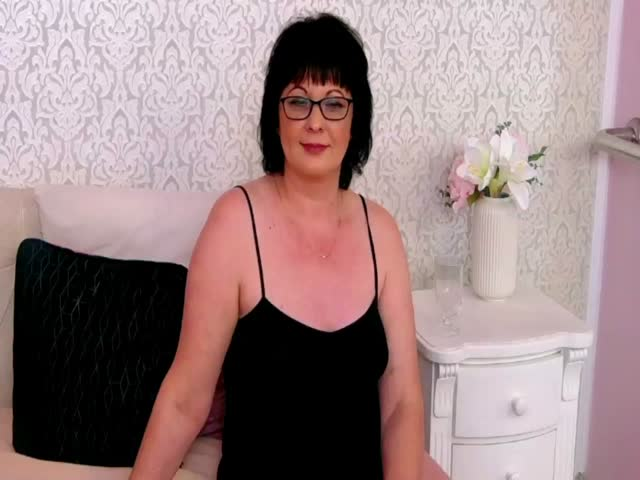 ConnieSanders live on Cams.com