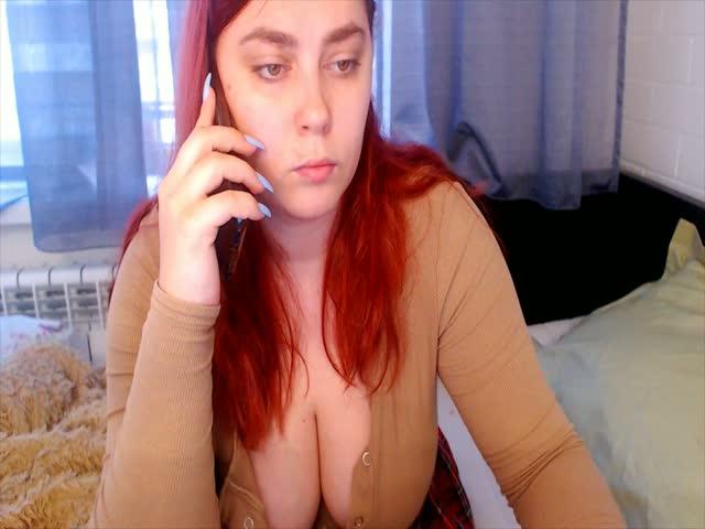 Greataurelia live on Cams.com