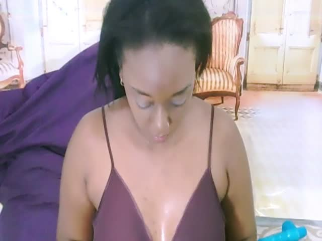 Indian_Apple live on Cams.com