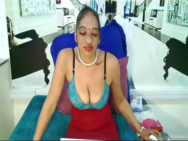 Indian_MilfCake live on Cams.com