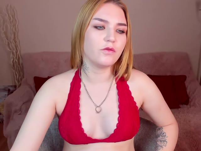 LindaGilbert live on Cams.com