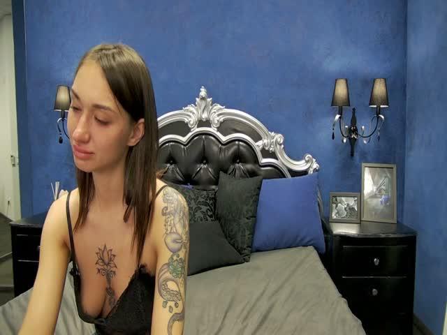 Megan_Rich live on Cams.com
