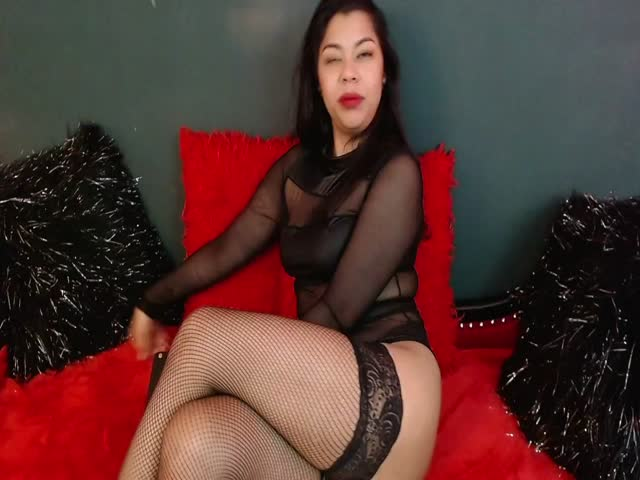 MariaaSimons live on Cams.com