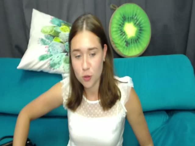 MelanieMooreS live on Cams.com