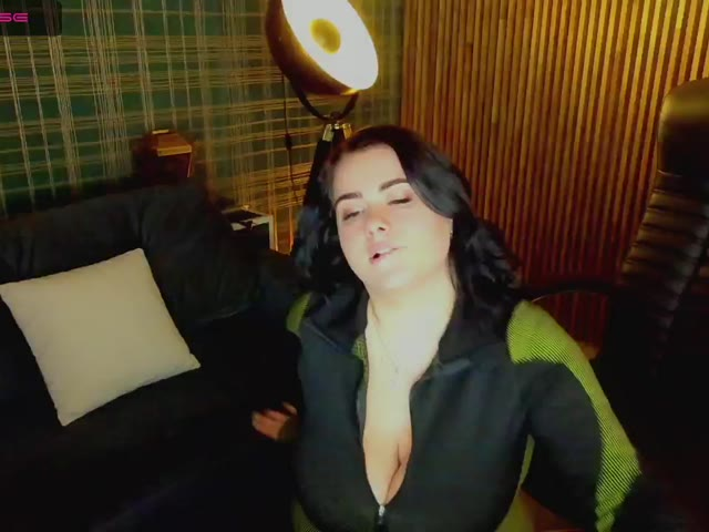 RenaissanceGirl live on Cams.com